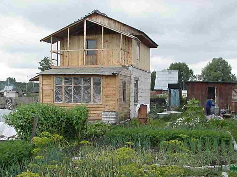 A simple dacha in Novosibirsk