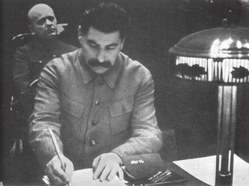 Stalin signing death penalties