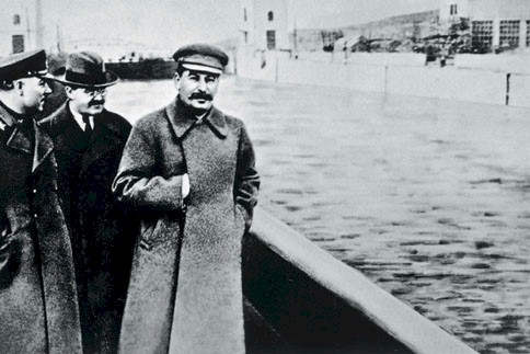 Voroshilov, Molotov and Stalin without Yezhov